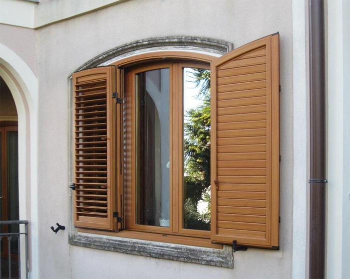 Persiane celi serramenti catania - Protezione per finestre ...